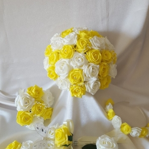 yellow-white-rose-wedding-flowers