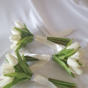 tulip-bridesmaid-bouquet