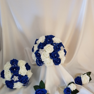 royal-blue-and-ivory-wedding-package-brooches