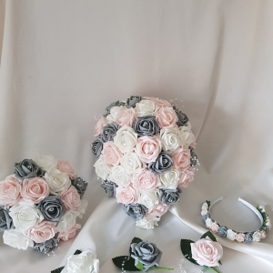 baby-pink-grey-white-wedding-flowers