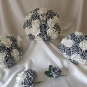 grey-white-wedding-flowers-butterfly