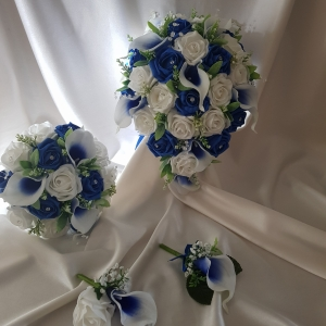royal-blue-centered-calla-lily-package