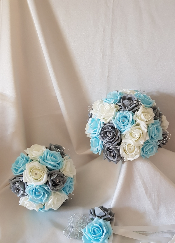aqua-grey-ivory-wedding-flowers