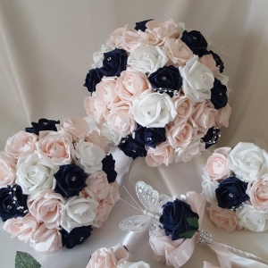 navy-baby-pink-wedding-flowers