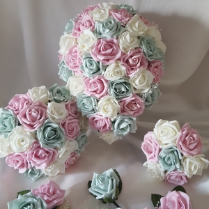 pink-ice-green-wedding-flowers