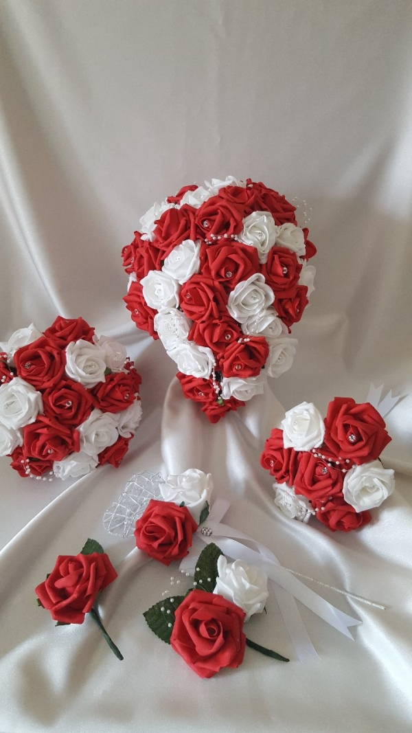 red-white-wedding-flowers