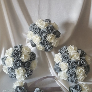 grey-ivory-rose-wedding-flowers