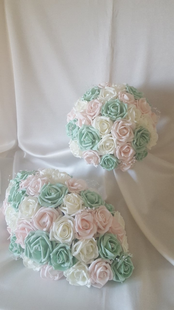 mint-baby-pink-wedding-flowers