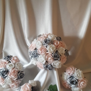 baby-pink-silver-wedding-flowers
