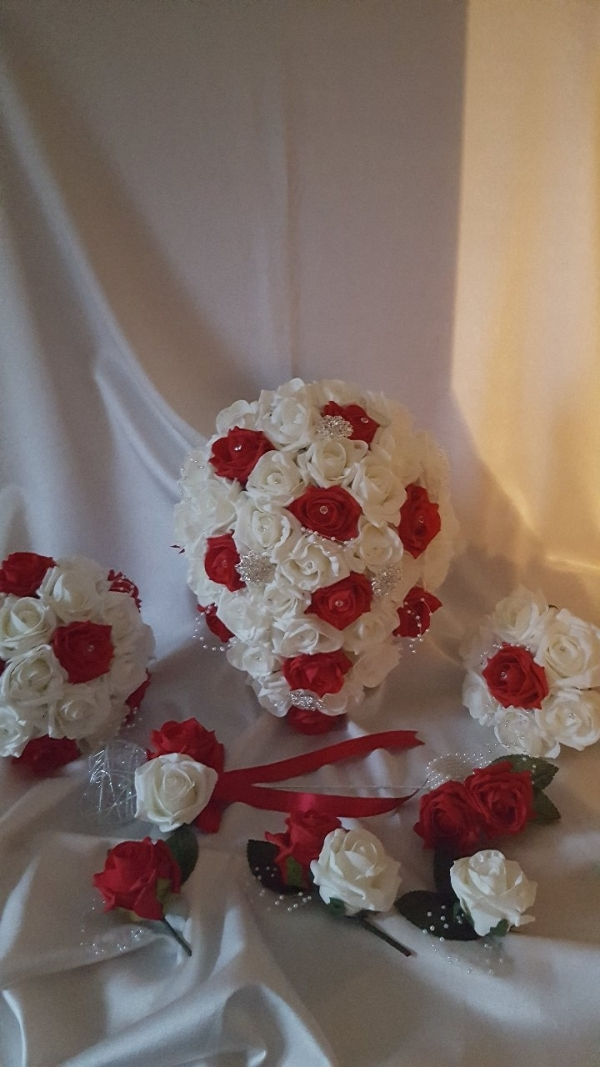 red-ivory-brooch-wedding-collections