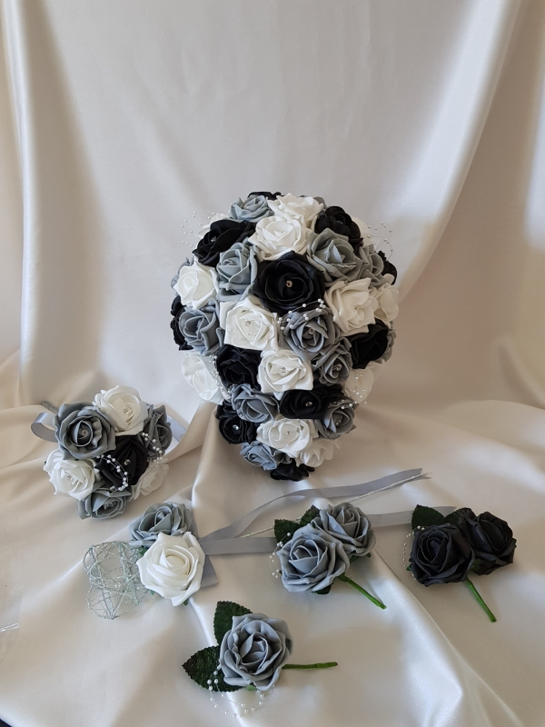 black-grey-wedding-flowers