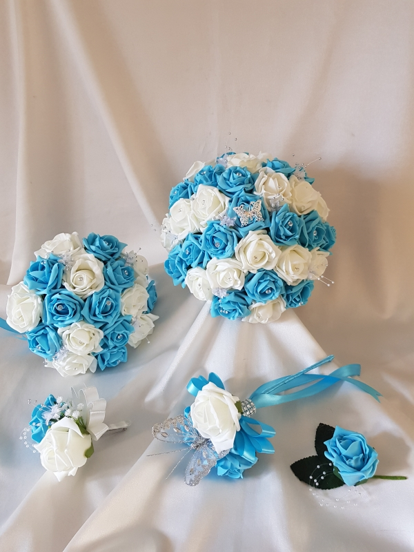 turquoise-ivory-wedding-flowers