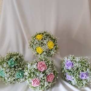 bridesmaid-rose-gypsophila-bouquet