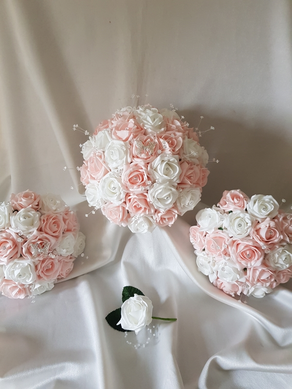 baby-pink-white-butterfly-wedding-flowers