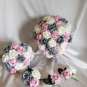 pink-grey-ivory-brooch-wedding-flowers