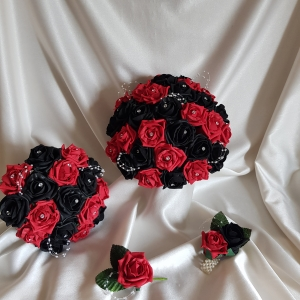 red-black-wedding-flowers