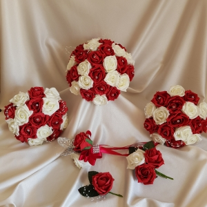 red-ivory-rose-wedding-flowers