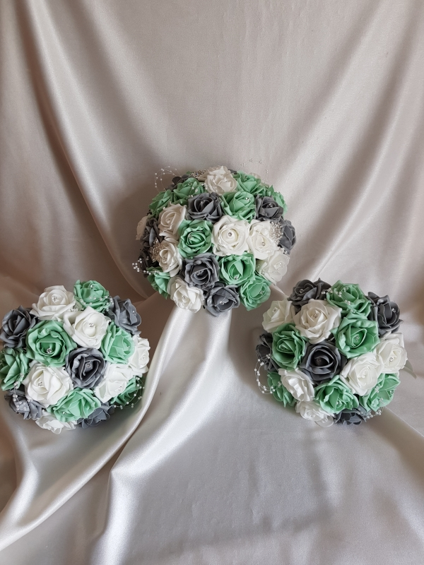 mint-grey-wedding-flowers
