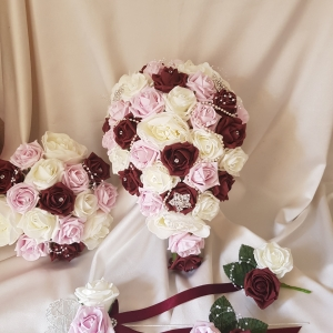 burgundy-antique-pink-wedding-flowers