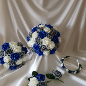 royal-blue-grey-wedding-flowers