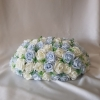 blue-ivory-foliage-table-arrangement