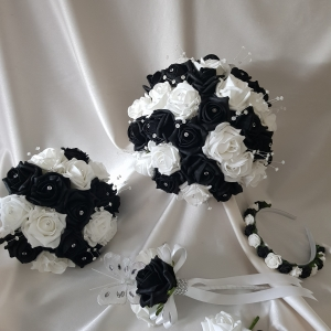 black-white-wedding-flowers