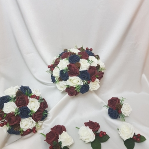 burgundy-navy-winter-wedding-flowers