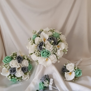 grey-mint-calla-wedding-flowers