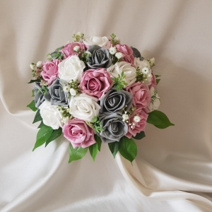 vintage-rose-grey-brides-bouquet