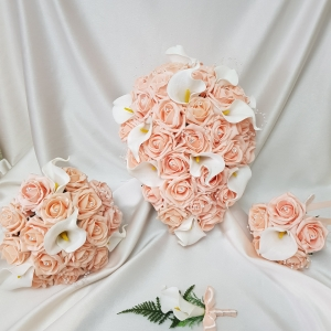 peach-calla-lily-wedding-flowers