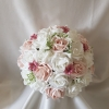 rose-gypsophila-brides-bouquet