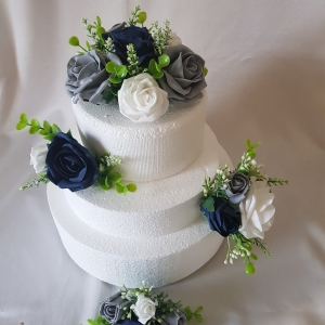 navy-grey-white-wedding-cake-flowers