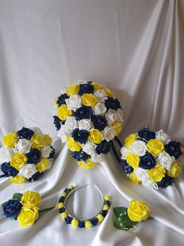yellow-navy-wedding-flowers