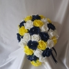 yellow-navy-rose-teardrop-bouquet