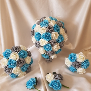 turquoise-grey-wedding-flowers